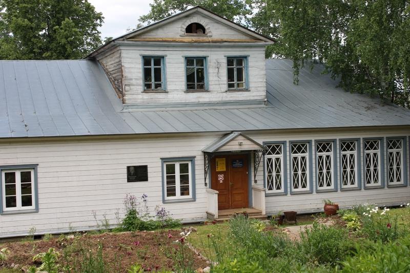 Дом-усадьба лесничих Теплоуховых в п. Ильинский